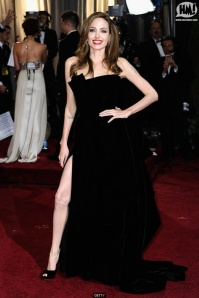 Angelina-Jolie-oscar-dress