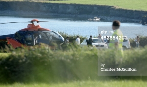 JJ Abrams (in cap) disembarking from a helicopter in Kerry after returning from the island. source: starwars7news.com