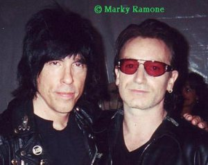 Bono and one of the other Ramones. source: kauhajokinyt.fi