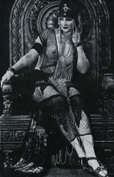 "Betty Blythe, ""The Queen of Sheba"""