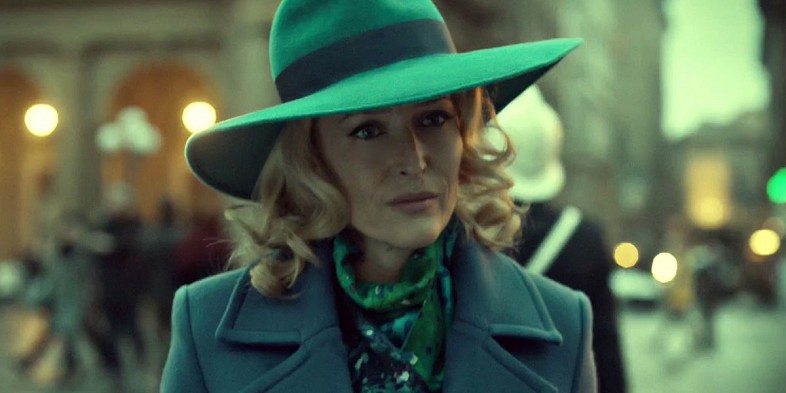 Gillain-Anderson-Blue-hat-in-Hannibal-Season-3-Episode-1-