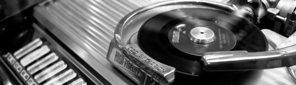 cropped-black_and_white_vintage_vinyl_jukebox_1366x768_220901